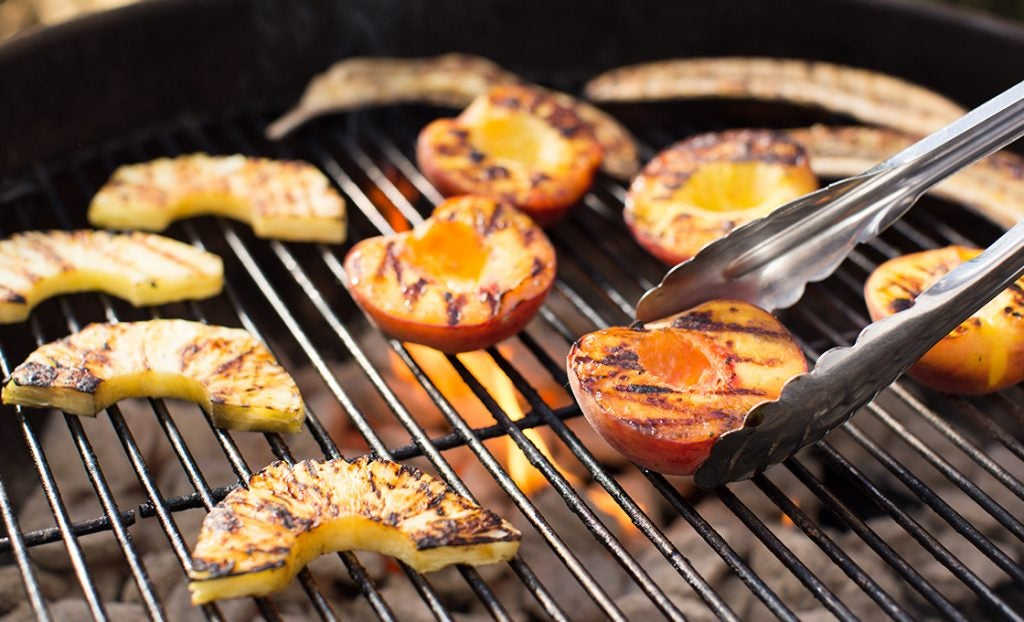 KFD_grilledfruit_pineapple_peach_banana_fig_cooking_0112
